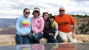 Brianna, Lisa, Courney, Blake & Kevin at the Grand Canyon